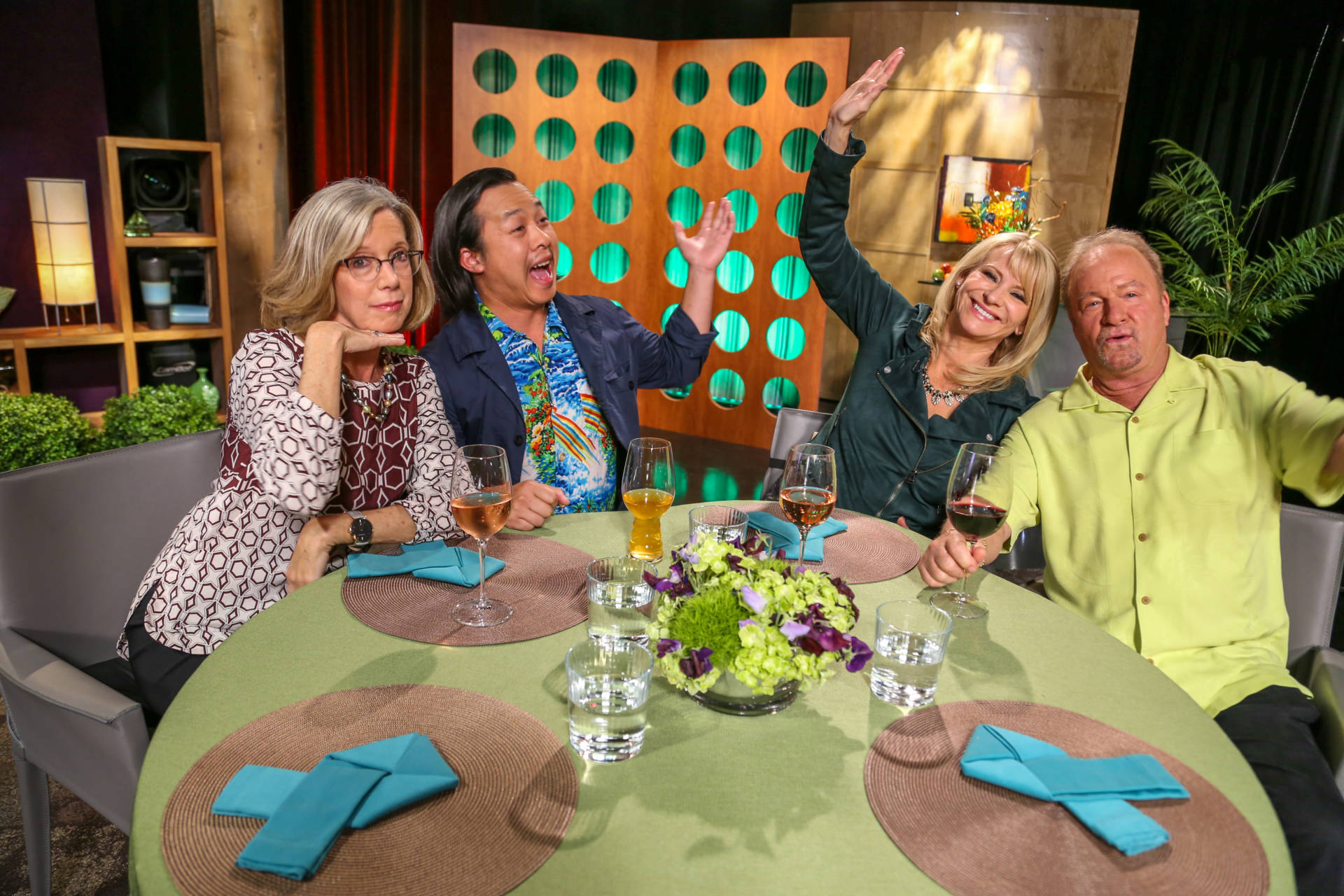 Host Leslie Sbrocco and guests on the set of season 13 episode 15.
