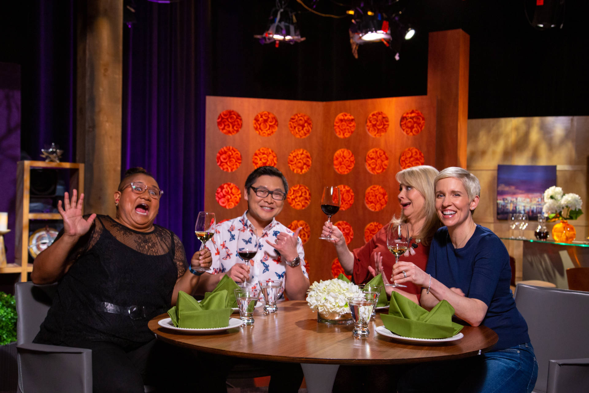 Host Leslie Sbrocco and guests on the set of season 14 episode 3.
