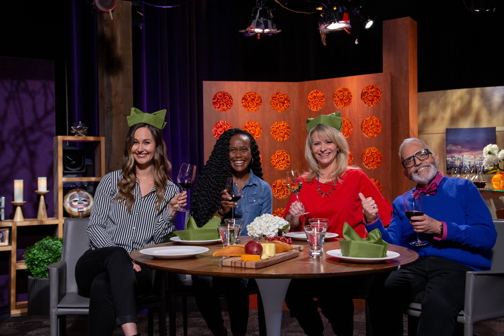 Host Leslie Sbrocco and guests on the set of season 14 episode 9.