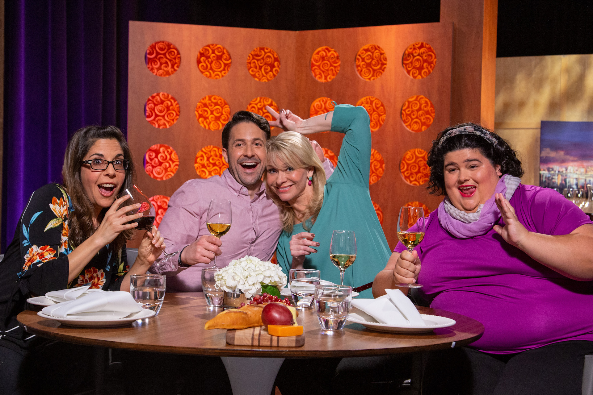 Host Leslie Sbrocco and guests on the set of season 14 episode 11.