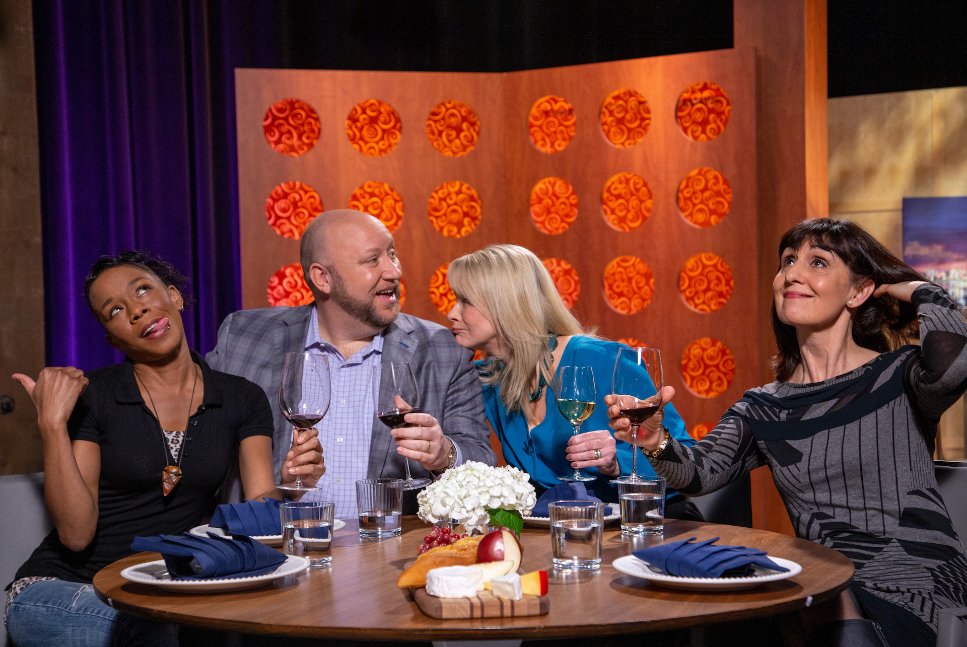 Host Leslie Sbrocco and guests on the set of season 14 episode 12.