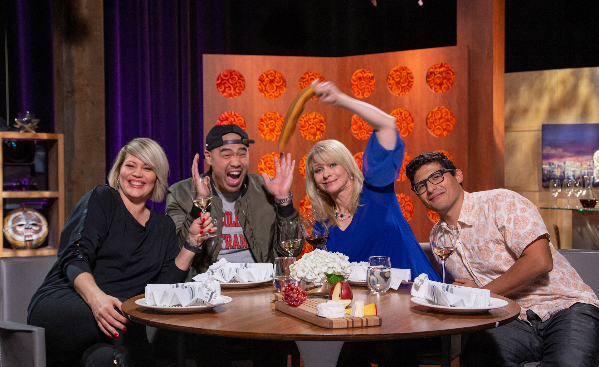 Host Leslie Sbrocco and guests on the set of season 14 episode 13.
