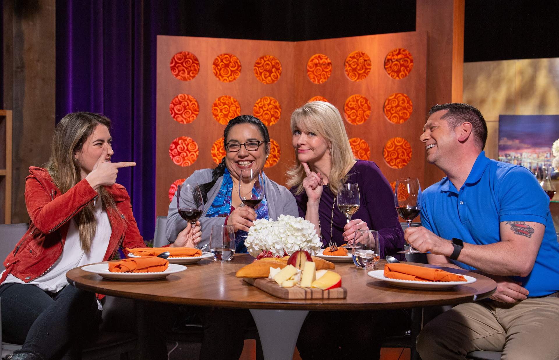 Host Leslie Sbrocco and guests on the set of season 14 episode 16.