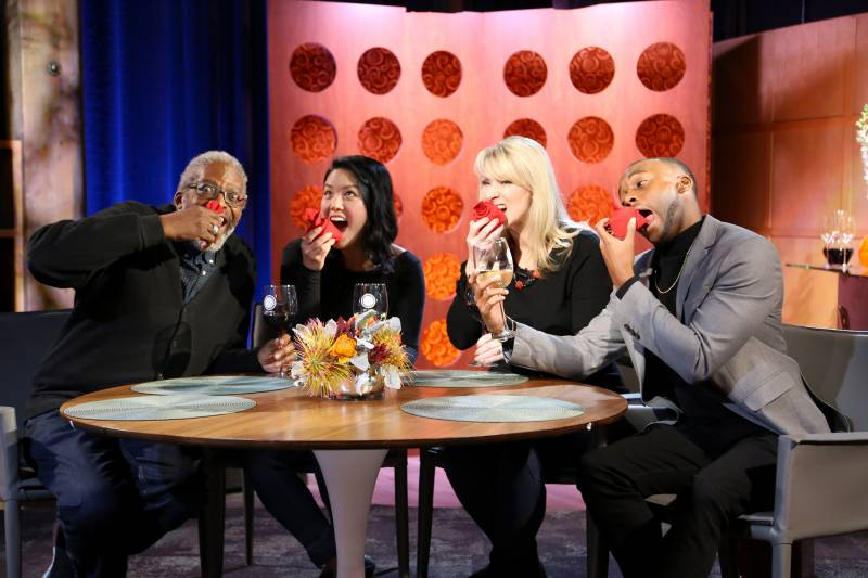 Host Leslie Sbrocco and guests on the set of season 15 episode 2.