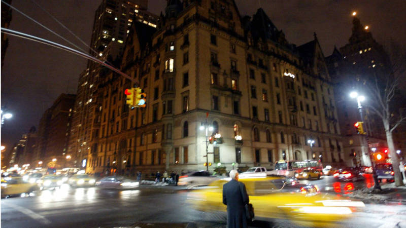 'The Dakota Winters' Recreates 1980s New York City