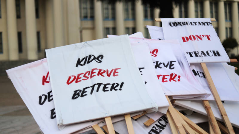 Forum on the Road: How Families are Dealing with the Oakland Teachers Strike