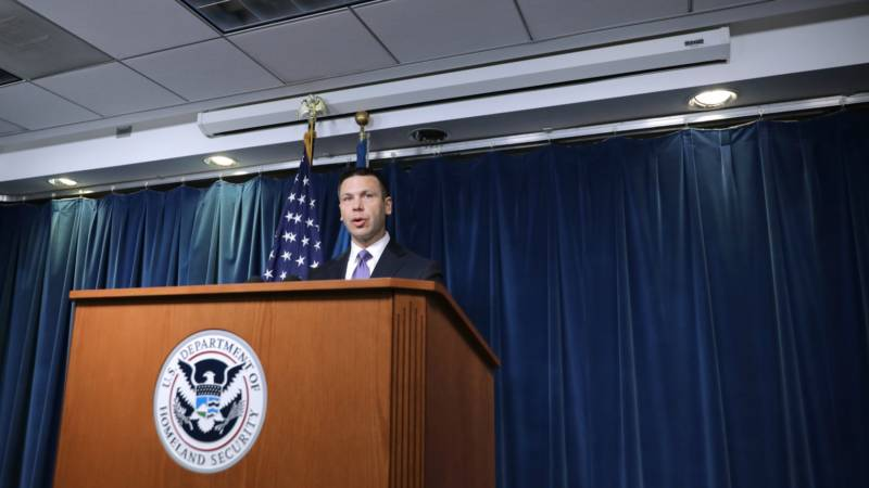 Trump Administration Moves to Hold Migrant Families Longer