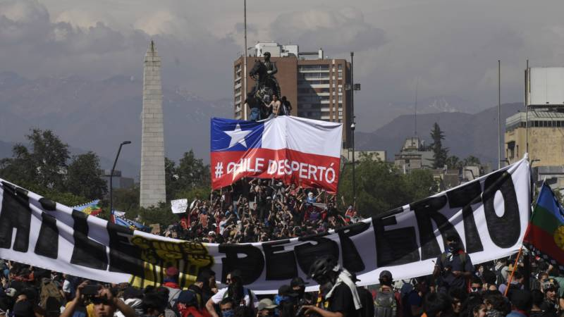 Violent Protests Over Economic Inequality Continue in Chile