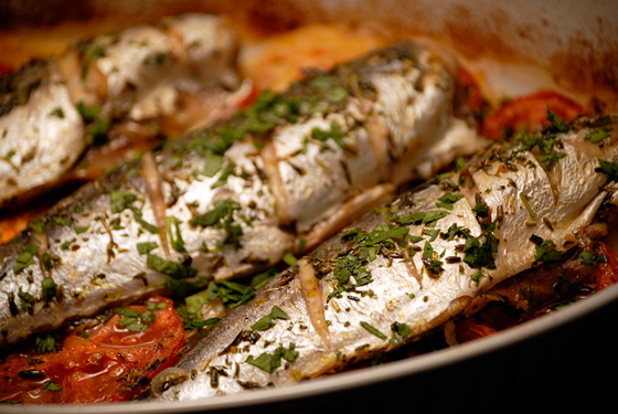 Baked Mackerel With Potatoes And Onions