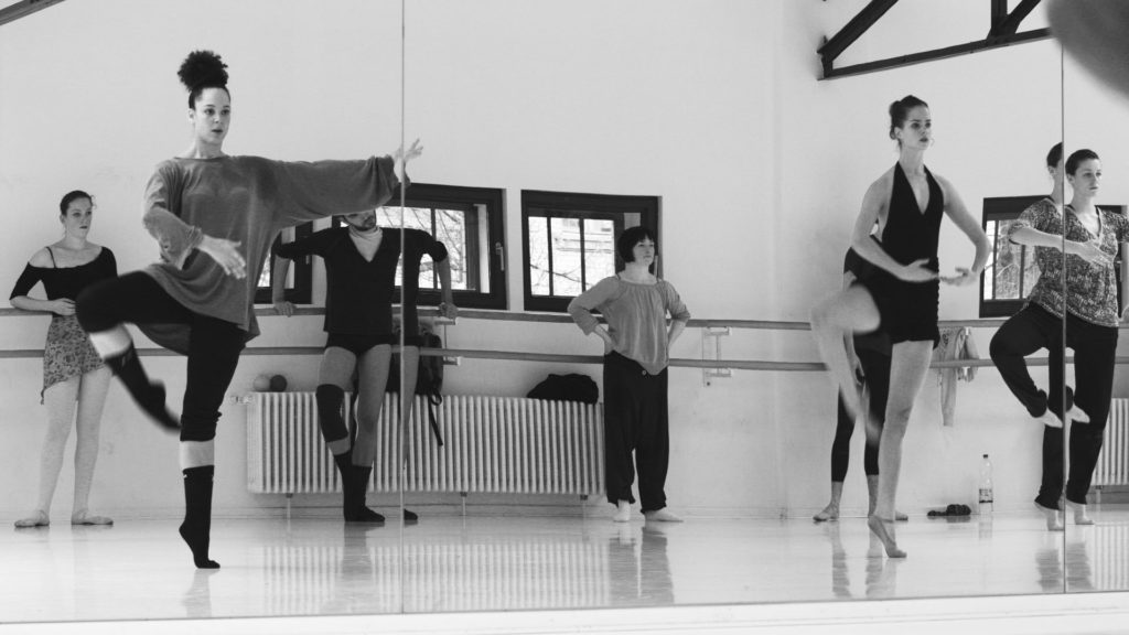 Domi dancing 02